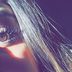 Hands Down: These Are the Best Mascaras Has Ever Made. Shadow Photography, Girl Photography Poses, Tumblr Photography, Eye Pictures, Girly Pictures, Cute Girl Photo, Girl Photo Poses, Artsy Photos, Creative Photos