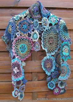 Sensational Benefiting From Beginners Crochet Ideas. Awesome Benefiting From Beginners Crochet Ideas. Poncho Crochet, Mode Crochet, Crochet Shawls And Wraps, Freeform Crochet, Crochet Scarves, Irish Crochet, Crochet Motif, Crochet Designs, Crochet Clothes