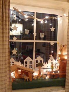 My green meadow: Advent and Christmas - Diy Winter Deko Noel Christmas, Simple Christmas, Winter Christmas, Handmade Christmas, Christmas Crafts, Christmas Windows, Christmas Window Decorations, Holiday Decor, 242