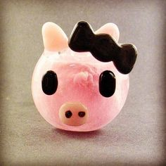 This is the cutest pipe  lady pig pipe made by #hedcraft  DOUBLE TAP IF YOU THINK IT'S CUTE  #iheartweed #weedlady…