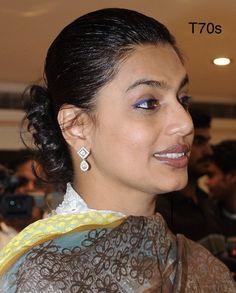 Pinky Reddy, Aunty Desi Hot, Desi Masala, Aunty In Saree, Hot Couples, Dark Skin Tone, Beautiful Indian Actress, India Beauty, Auntie