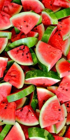 Watermelon Looks like summer! - Watermelon Looks like summer! Yummmmmm – Watermelon Looks like - Nutrition Plans, Nutrition Tips, Nutrition Pyramid, Fruit Nutrition, Nutrition Chart, Holistic Nutrition, Sports Nutrition, Food Wallpaper, Summer Salads
