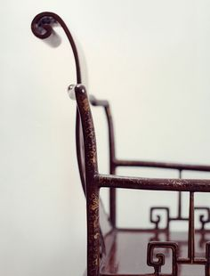 antique chinese chair with scroll | Don FREEMAN photography