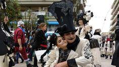 Nikolnews: Ζωντανά: Η μεγάλη παρέλαση του Πατρινού Καρναβαλιο...