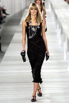 Chanel Spring/Summer 2004 Paris - Ready-To-Wear - Full length photos (Vogue.com UK)