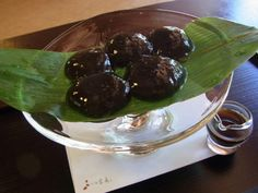 "You can eat japanese sweets at ""Housen"" in Kyoto!"