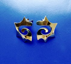 80s Earrings, Funky Jewelry, Wave Design, 80s Fashion, Spiral, Pop Culture, Cool Designs, Minimalist, Punk