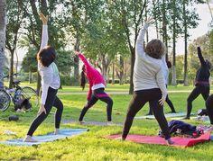 FORTALEZA  RESISTENCIA  FLEXIBILIDAD  Practicar #yoga tonifica todas las partes del cuerpo su práctica regular incrementa la capacidad de trabajo y a través de las diferentes #asanas y #estiramientos se aumenta la flexibilidad del cuerpo.  Además al practicarlo al #airelibre la percepción sensorial del entorno aumenta ayudándonos a entrar en contacto con la #energia de la naturaleza que nos rodea  es una experiencia que tienes que probar! ven a hacer yoga al Parque de Maria Luisa los #MARTES…