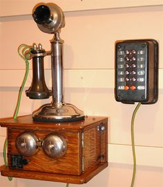 Telephone Booth, Vintage Telephone, Hosted Voip, Antique Phone, Antique Typewriter, Retro Phone, Vintage Phones, Home Phone, Cabins