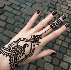 henna, black, and tattoo image                                                                                                                                                                                 Más