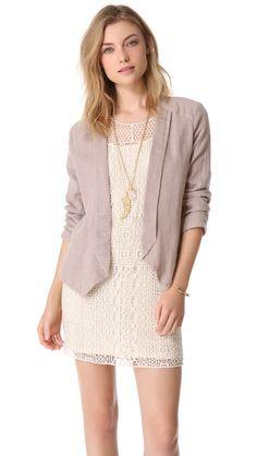 Ella Moss Shimmer Linen Blazer worn over a lace cream dress is a modern ladylike style