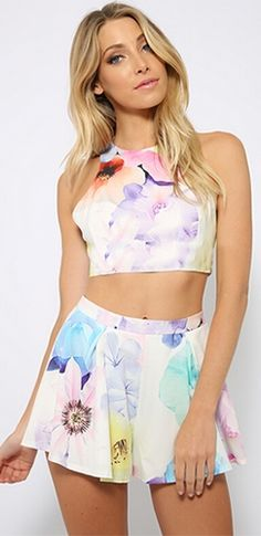 White Pink Purple Blue Yellow Floral Sleeveless Scoop Neck Crop Halter Top Pleated Shorts Two Piece Romper