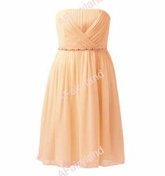 Peach bridesmaid dress - see more ideas on http://themerrybride.org/2014/04/05/peach-yellow-and-light-blue-wedding/