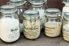 For the Home DIY idea for the pantry: labels for panes from Tina on we-love-pasta. Diy Kitchen, Kitchen Interior, Kitchen Organisation, Organisation Ideas, Organization, Organizing, Ad Home, Pantry Labels, Idee Diy