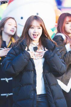 Choi Yoojung, Sakura Miyawaki, Yu Jin, Kim Min, Winter Jackets, Kpop, Beautiful, Fashion, Winter Coats