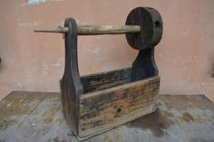 Antique spinning wheel - Wooden spinning wheel - Primitive tool - Rustic decor - Primitives decor - Country decor.