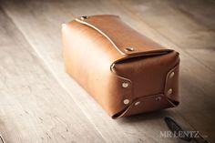 mens-leather-toiletry-kit-dopp-kit-travel-case_200_0051