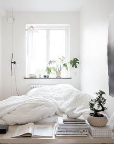 Simple home with a soft look - via Coco Lapine Design blog