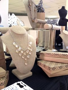Linen Burlap Jewelry Displays Available For Necklace Bracelet And Earrings