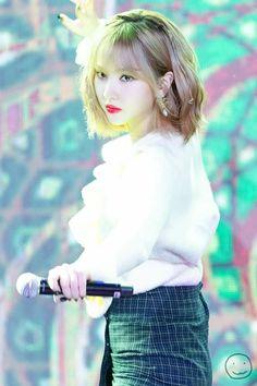 Extended Play, South Korean Girls, Korean Girl Groups, Inauguration Ceremony, Photo Room, G Friend, Life Humor, Korean Singer, Kpop Girls