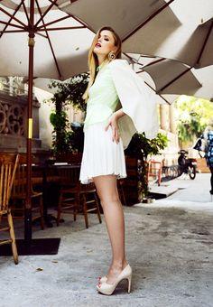 KAYTURE Skirt: Zara, Shirt: H&M, Blazer: Minusey, Shoes: Navyboot, Earrings: Juicy Couture.