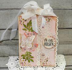 Jeg har lavet et fødselsdags kort som en stor tag og brugt det lækre papir fra Craftandyou design og    Meadow butterfly#2   Doily mask   ...