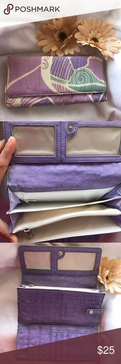 Kipling wallet Kipling wallet. Used a couple of times and shows minor wear but still in very good condition. ✔️add another bundle to save 10% Kipling Bags Wallets