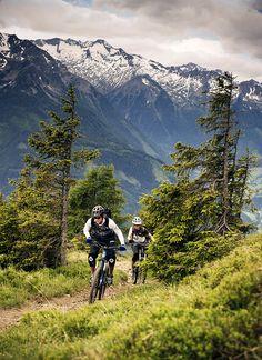 Location: Urlaubsarena Wildkogel, Austria | Photo: Dominic Zimmermann | Spring / Summer Collection 2012 | www.zimtstern.com | #zimtstern #spring #summer #collection #mens #bike #downhill #mountain #cross #nature #alpine #trail
