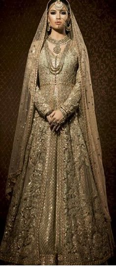 Pakistani and Indian Clothing,Pakistani Salwar Kameez,Indian and Asian Dresses in Europe, USA and Canada