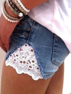 Vintage Denim&jeans is fashionable and cheap, come to Noracora to find out about the Clothing Diy Shorts, Lace Shorts, Short Shorts, Short Jeans, Diy Lace Jeans, Diy Old Jeans, Fringe Shorts, Casual Shorts, Trendy Jeans