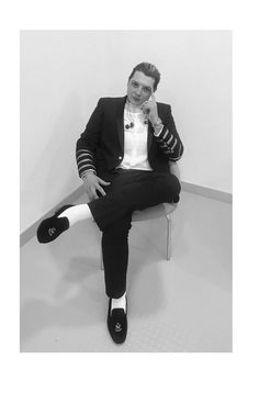 John Newman is becoming the God of white socks and loafers. John Newman, Music Artists, Loafers, Socks, Singer, Guys, Caves, Steel, Google