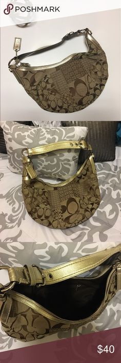 Authentic Coach Purse Hobo style purse. Great condition! Coach Bags Hobos