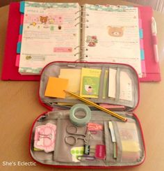 Original pinner sez: She's Eclectic: day nine - planning must haves. I like the little pouch organizer.