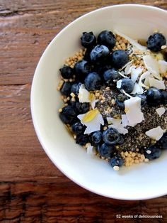 My healthy breakfast bowl, I'm SO in love with Quinoa Puffs!