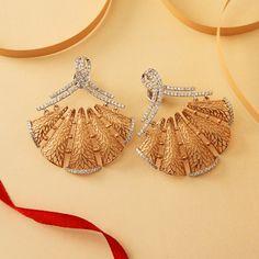 Finding The Right Men's Diamond Stud Earrings India Jewelry, Pearl Jewelry, Gold Jewelry, Jewelery, Chain Jewelry, Manubhai Jewellers, Diamond Earing, Gold Jewellery Design, Trendy Jewelry