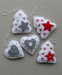 27 Popular Christmas Ornaments Ideas 11 Best Picture For Diy Felt Ornaments Christmas Sewing, Handmade Christmas, Christmas Crafts, Cheap Christmas, Christmas Holidays, Christmas Projects, Felt Crafts, Holiday Crafts, Felt Projects