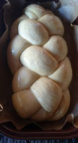 Vadkovászsuli: Kovászos édes-sós kalács Milk Bread Recipe, Bread Recipes, Bun Recipe, Hungarian Recipes, Challah, Sourdough Bread, Bread Rolls, How To Make Bread, Bread Baking