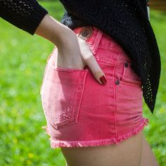 Verão é assim: dias mais longos, looks mais curtos. #summeryoucom #youcomjeans #pink #youcom