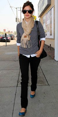 skinny jeans, sweater, scarf, color poppin shoes.