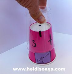 Middle Sound Cups, & How to Teach Kids to Find the Middle Sound of a Word | Heidi Songs