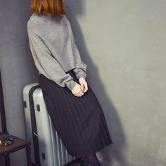 Street fashion Pleated skirts