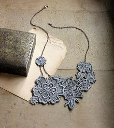 lace necklace - AINSLIE - steel gray, light summer