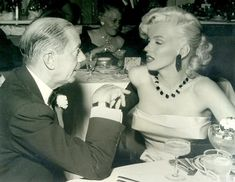 """summers-in-hollywood: Cole Porter and Marilyn. - summers-in-hollywood: """"Cole Porter and Marilyn Monroe, Cocoanut Grove, Los Angeles, 1953 """" Fotos Marilyn Monroe, Marylin Monroe, Joe Dimaggio, Classic Hollywood, In Hollywood, Vintage Hollywood, Ambassador Hotel, Coconut Grove, Norma Jeane"""