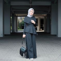 Hijab Style, Casual Hijab Outfit, Hijab Chic, Casual Outfits, Abaya Fashion, Modest Fashion, Fashion Outfits, Womens Fashion, Kebaya Hijab