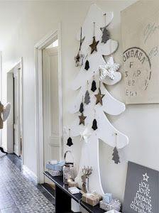 Una casa donde la Navidad ha llegado a todas las estancias, desde el cuarto de la niña hasta el pasillo.