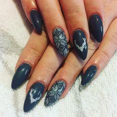 Modele de manichiura pentru Craciun 2016. Alegeti-va preferatele. Nailed It, Christmas Nails, Nail Designs, Nail Polish, Beauty, Winter, Xmas Nails, Nail Desings, Beleza