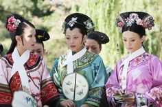 The Legend of Zhen Huan(Completed) - 后宫·甄嬛传 - Watch Full Episodes Free - China - TV Shows - Viki Oriental Fashion, Asian Fashion, Chinese Fashion, Oriental Style, Empresses In The Palace, The Empress Of China, Chinese Architecture, Period Outfit, Ancient China