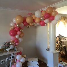 #balloons #balloonbouquet #balloonssydney #balloonsinsydney #party #100days #baby #organicballoons gorgeous organic garland blush, rose, pink and white rose gold confetti