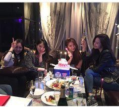 Ulzzang Korean Girl, Ulzzang Couple, Bff Goals, Friend Goals, Chernobyl, Best Friend Couples, Korean Friends, Girls Together, Bday Girl