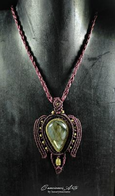 CAMELOT. Macrame necklace with Labradorite set in brass